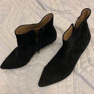 BANANA REPUBLIC suede heeled booties!